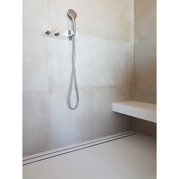 Casa Particular - Canal de ducha Diseño con reja rellenable